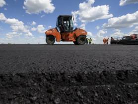 Продовжують ремонт дороги Р-14, що проходить через Маневичі