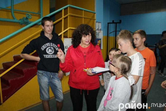 Галина Тимощук зі своїми вихованцями