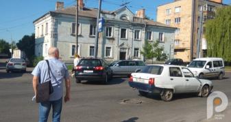 У Луцьку, на вулиці Ковельській, поблизу маркету «Наш Край» сталася аварія