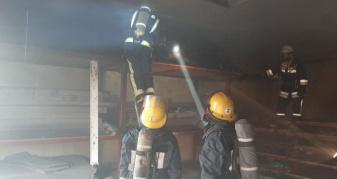 У цегляній господарській будівлі на вулиці Тарасова у Луцьку сталася пожежа