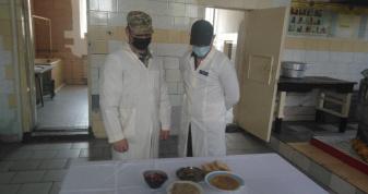У Луцькому слідчому ізоляторі провели контрольне приготування їжі
