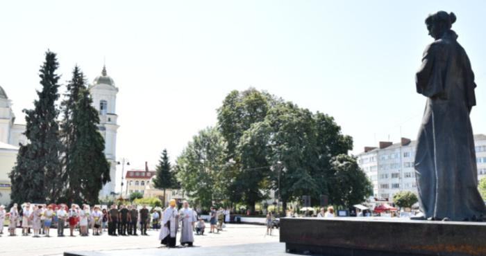 Лучани вшанували 108-річницювід дня смерті Лесі Українки