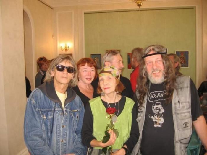 З львівськими друзями на виставці 10 років тому
