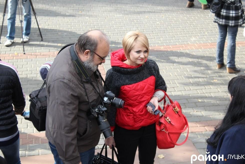 Прес-секретар Миколи Романюка Зоя Балюк та фотограф Валерій Мельник