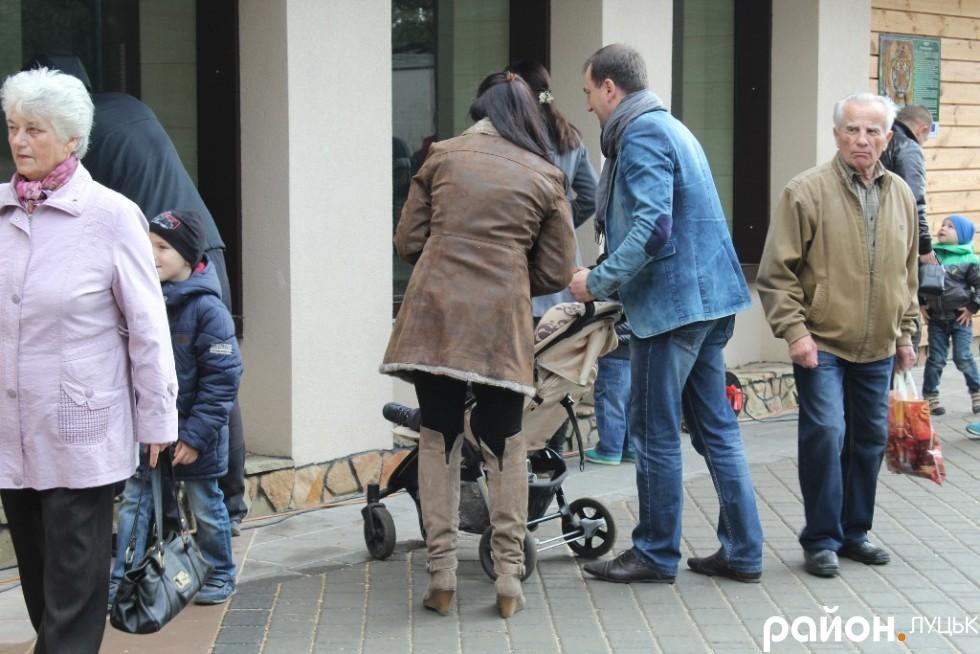 Тарас Яковлев на відкриття звіринцю прийшов з родиною