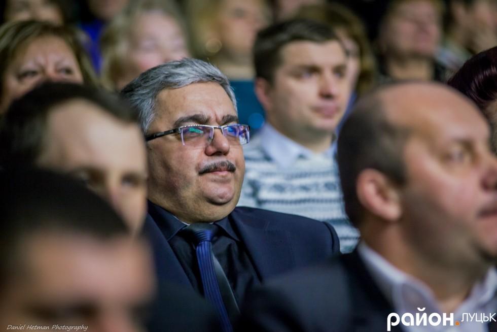 Задоволеним виглядає й начальник управління міської освіти Олег Гребенюк