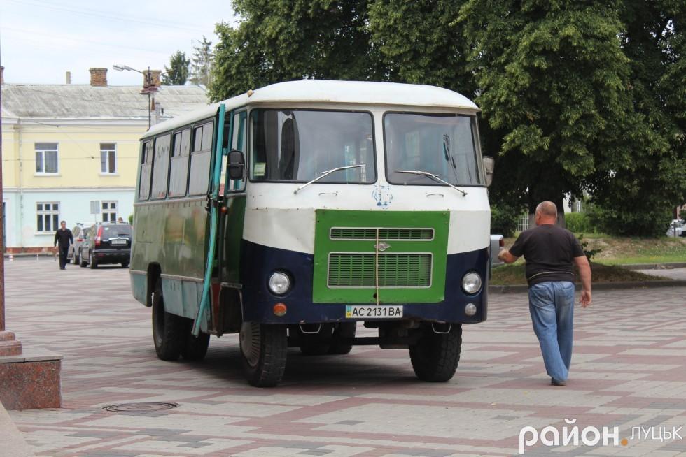 Автобус Палацу культури