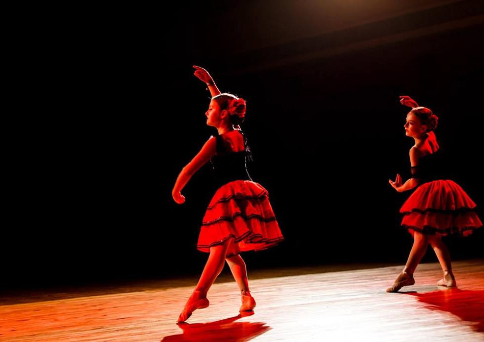 Танці балерин