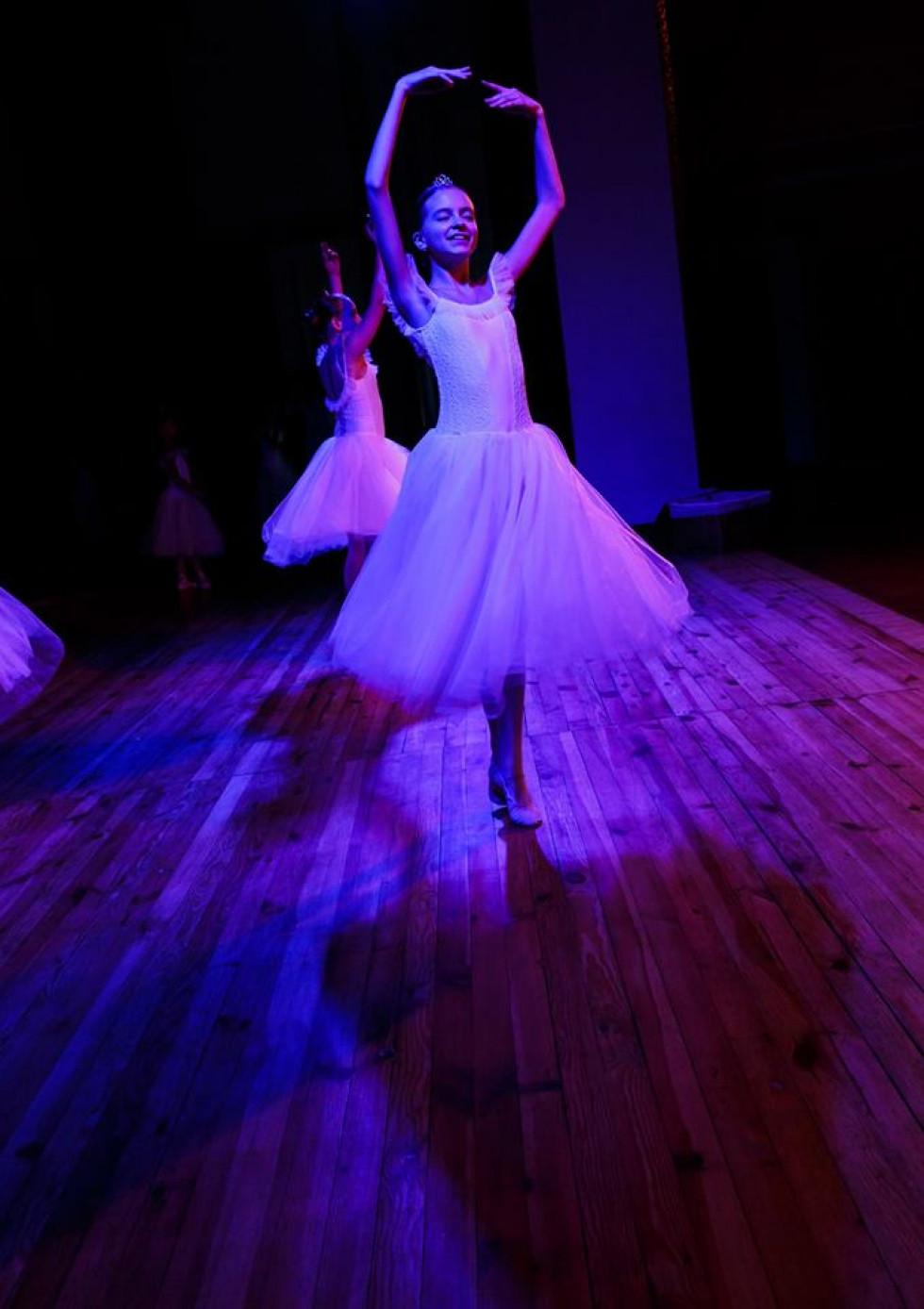 Балерина в русі