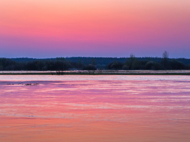 Рожеве небо над Стиром