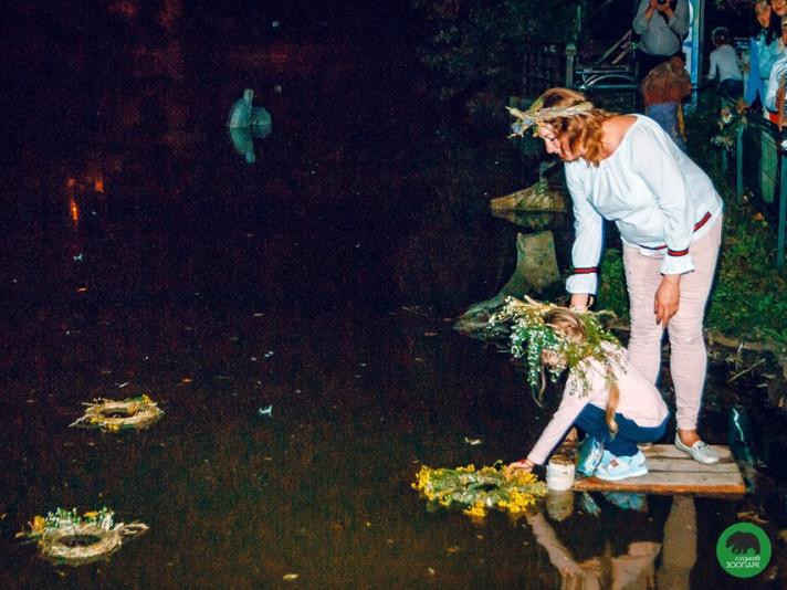 Традиційне пускання вінків на свято Івана Купала