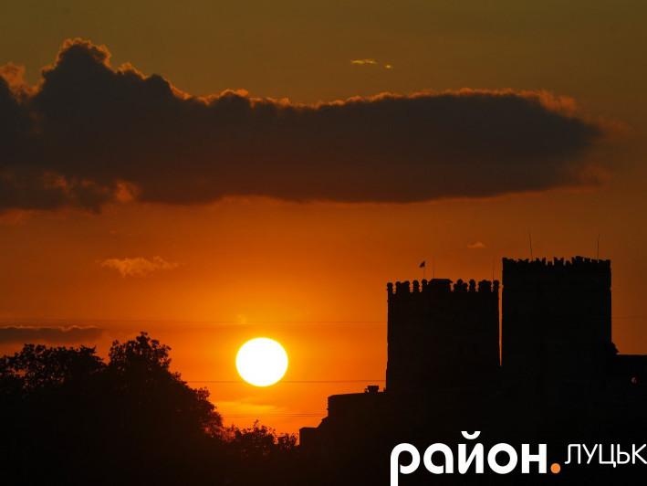 Захід сонця на «Бандерштаті»