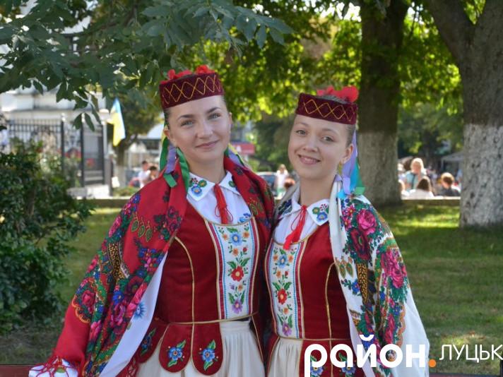 Дівчата братимуть участь у міжнародному фестивалі «Поліське літо з фольклором»