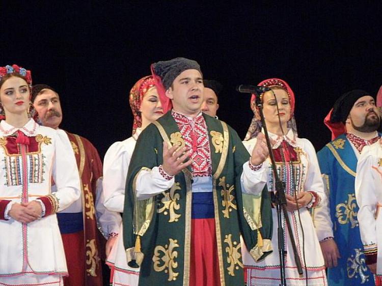 Волинський народний хор виступив з музичною виставою