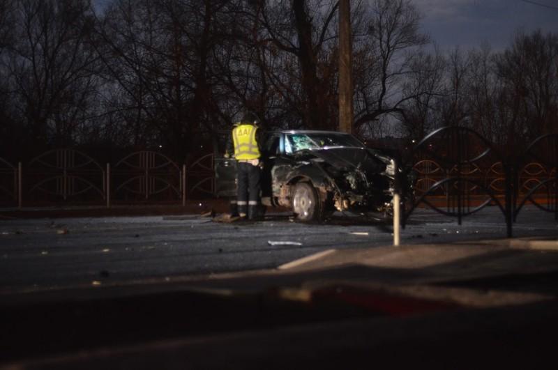 Фото та відео з місця аварії на вулиці Гнідавській з'явилося в «мережі»
