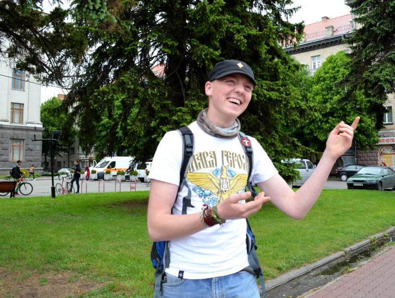 Коли я цікавлюся ставленням вихованця пласту і нині солдата до фестивалю в Луцьку, він відповідає, що культуру потрібно розиввати багатопланово, особливо, коли триває війна на інформаційному фронті: