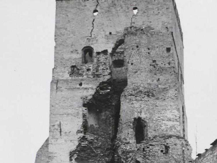 В'їзна вежа. Фото 1963 року