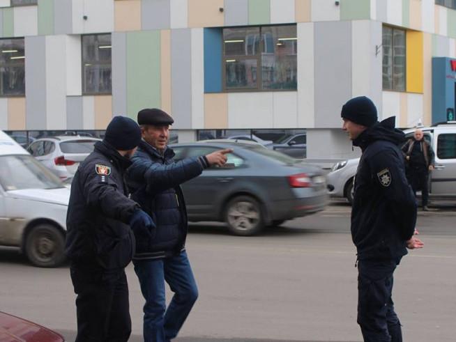 патрульні вчили лучан переходити дорогу