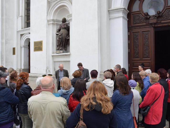 екскурсія до Кафедрального собору святих апостолів Петра і Павла