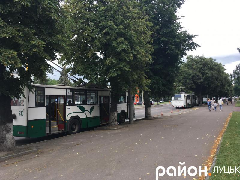 Тролейбуси на проспекті Василя Мойсея в Луцьку