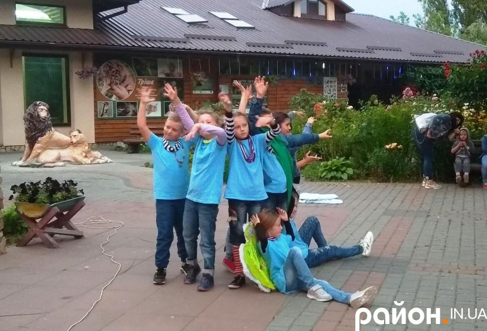 юнівихованціТеатральна стуДія «Бешкетники»