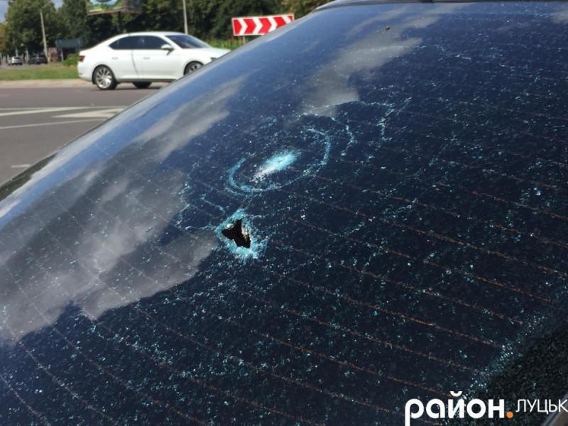 «обстріляне» авто у Луцьку