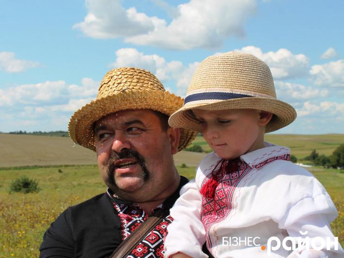 Володимир Шегедин з сином Миколкою