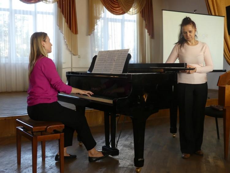 Майстер-клас відомої піаністки та клавесиністки Олени Жукової