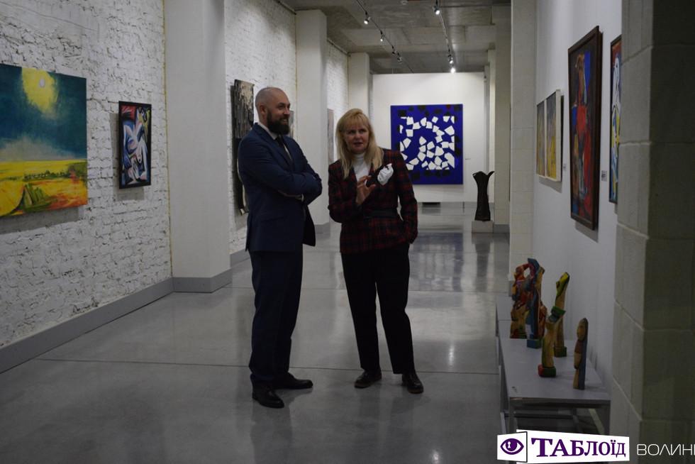 Мистецтвознавиця Зоя Навроцька розповідає про експопати