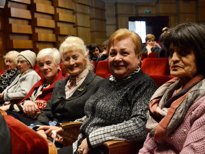 Луцьких пенсіонерів запрошують на виставу «Мазайло»