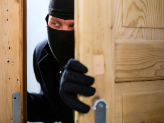 Гроші, телефон, парфуми: у Луцьку за день сталося чотири крадіжки