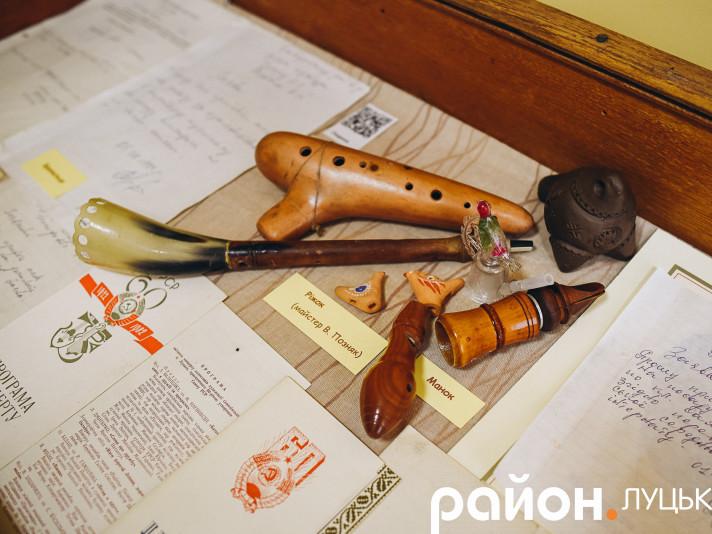 Музичні інструменти Володимира Позняка