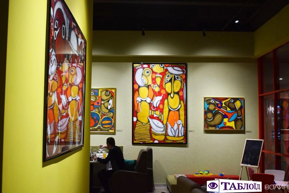 У Луцьку відкрили ресторан, де «оживають» картини