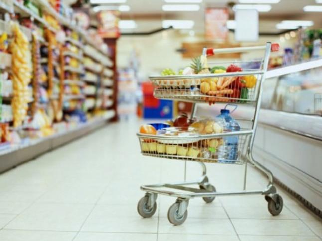 Жінка крала у супермаркеті