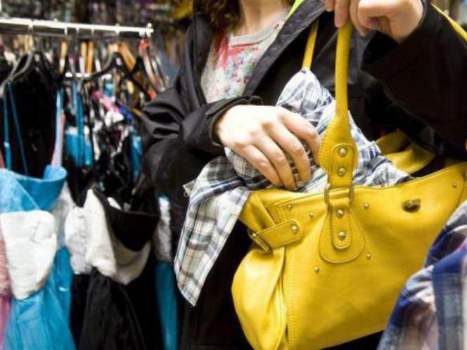 У Луцьку жінка два місяці обкрадала магазини одягу