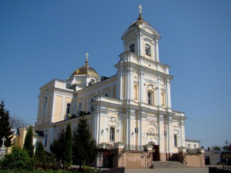 Дезінфікували нижній храм луцького собору