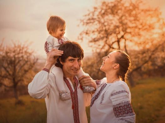 Лучан запрошують до участі в конкурсі сімейної пісні