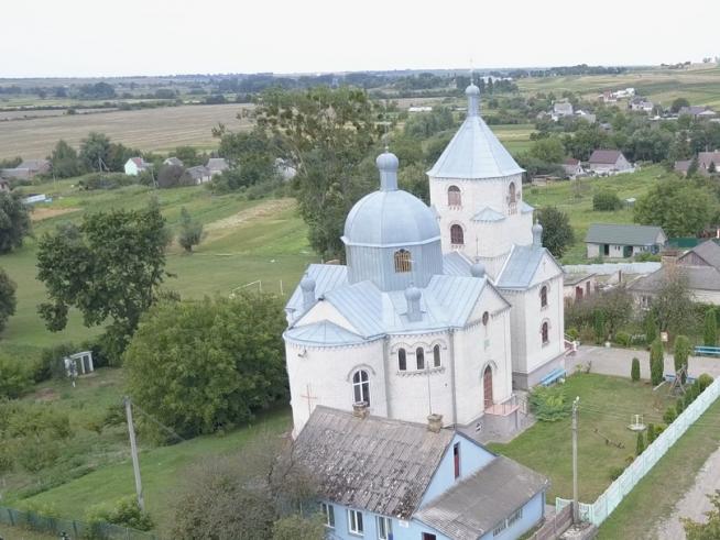 Справжньою окрасою села Городище є Свято-Миколаївський храм