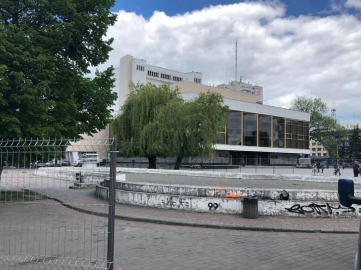 Світломузичний фонтан у центрі Луцька будуватимуть за прозорим парканом