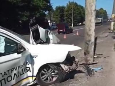 Розглядають декілька версій трагедії: прокоментували аварію за участі патрульних