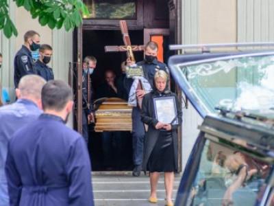 У Луцьку попрощалися з загиблим патрульним Олександром Волошиним