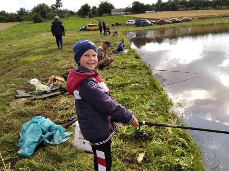 На ставку у селі Михлин відзначили день рибалки