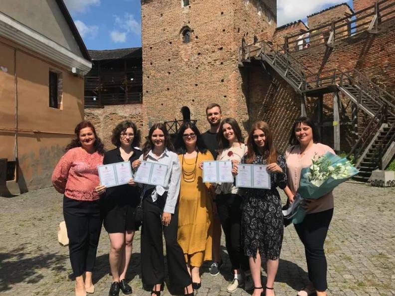 Студенти та студентки факультету філології і журналістики отримали дипломи