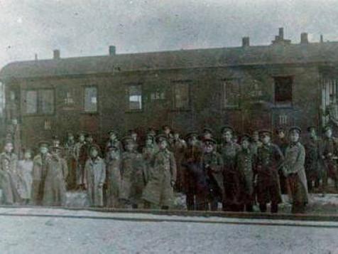 Частина крутян перед відправкою з Києва на бій, 1918 рік