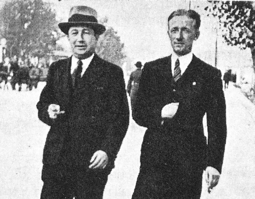 Фоменко (справа) зі своїм єврейським другом. Фото зроблене до війни. З книги Sefer Lutsk
