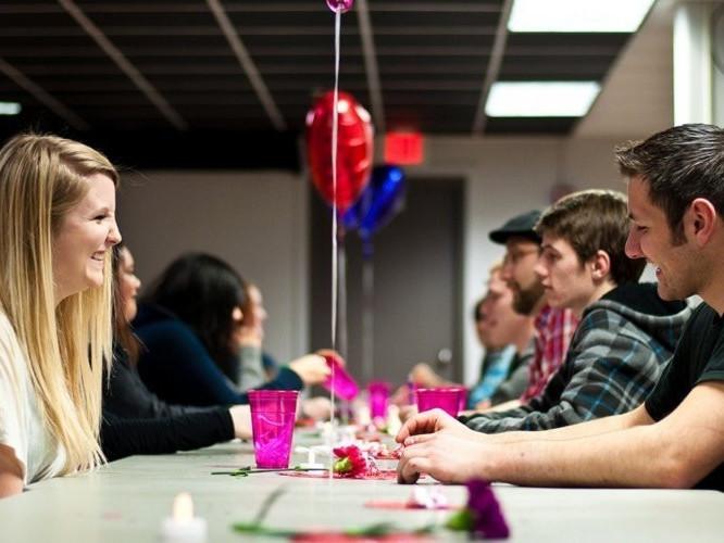 Для луцької молоді організують швидкі побачення