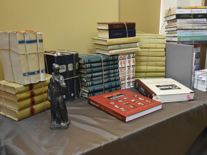 У Луцьку відкрили виставку, на якій представили унікальне зібрання творів Лесі Українки