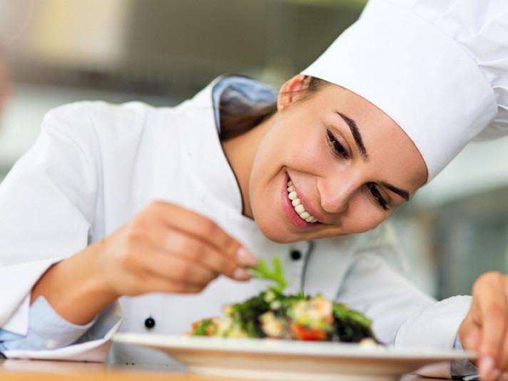 Кухарі, агрономи, трактористи: у Луцькому районі– понад 30 вакансій