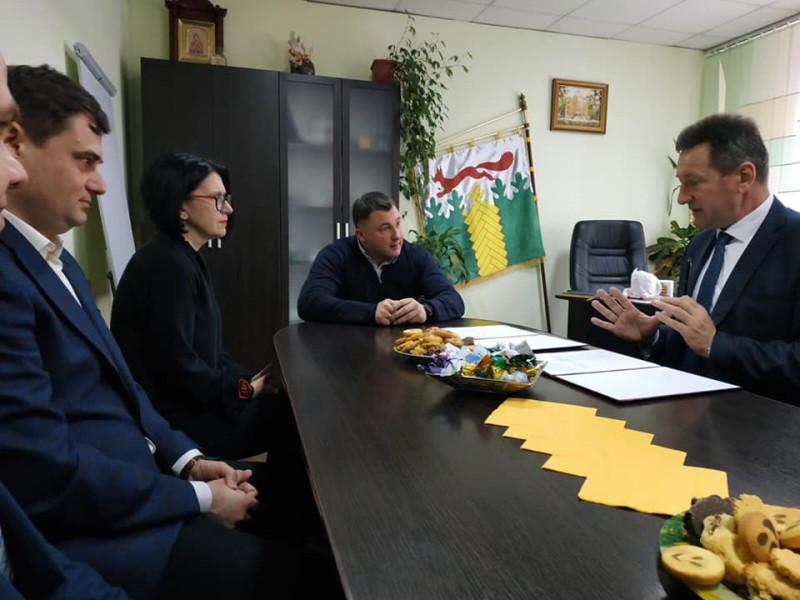 Фото із зустрічі міського голови і ректора університету