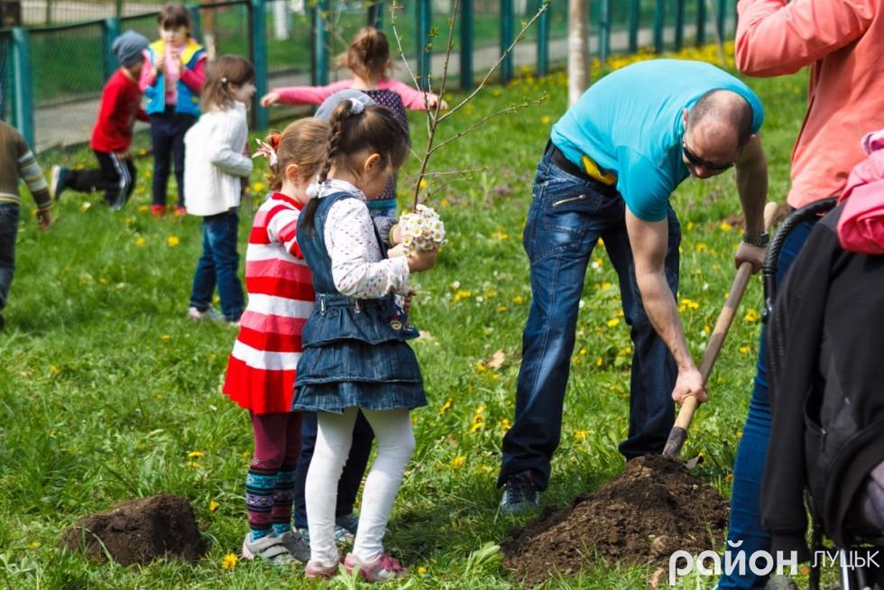 """Вишневий сад у дитсадку """"Радість"""" (ФОТО), фото-15"""